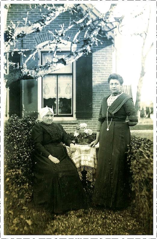 Jannigje Bos en Cornelia van Vliet 1903