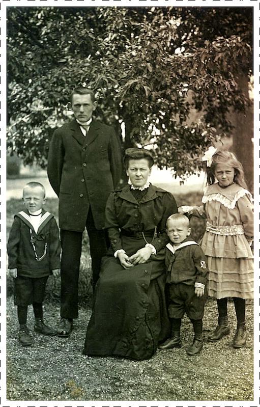 Gezin Cornelia en Mattheus van Vliet 1916