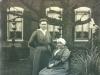 Moeder en dochter 1906