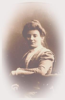 Marrigje Doornenbal, jongste dochter van Joziena Lekkerkerker en Adrianus Doornenbal         1890 – 1973 (3)