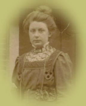 Evertje Doornenbal dochter van Adriana Bos en Willem Doornenbal 1892 -1972
