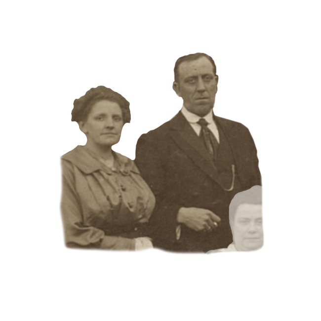 De 28 jarige Jannetje van Vreeswijk en haar 33 jarige man Cornelis Bos. Detail van een groepsfoto uit 1921.