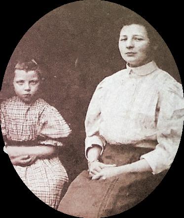 Jannigje Bos op 6 jarige leeftijd naast haar juf Nellie (Petronella) la Roij, de 21 jarige leerkracht van de eerste klas (groep 3) van de christelijke lagere school in Kockengen. Detail van een klassenfoto uit 1908.